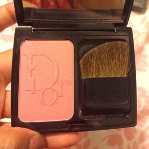 Other - DIOR BLUSH in 876